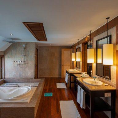 The St. Regis Bora Bora Resort 014